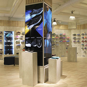 Showroom Asics